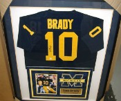 cool dorm room stuff - framed sports jersey